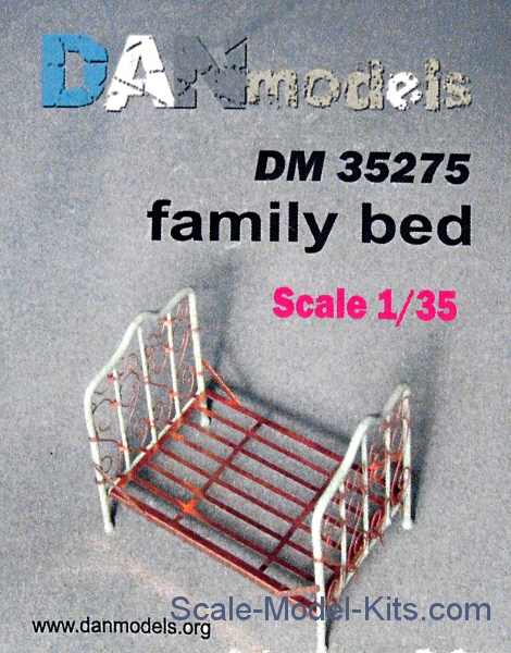 Material for dioramas: family bed